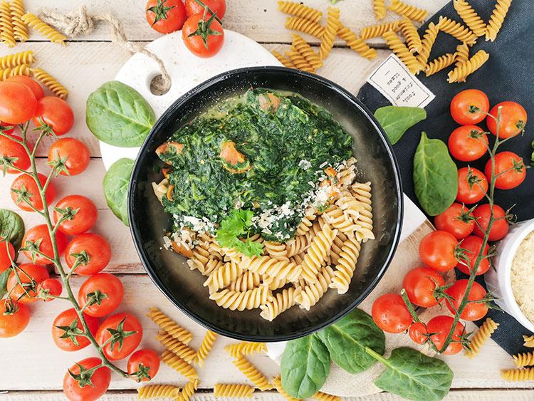 Spinat Pasta mit Käse – vegan