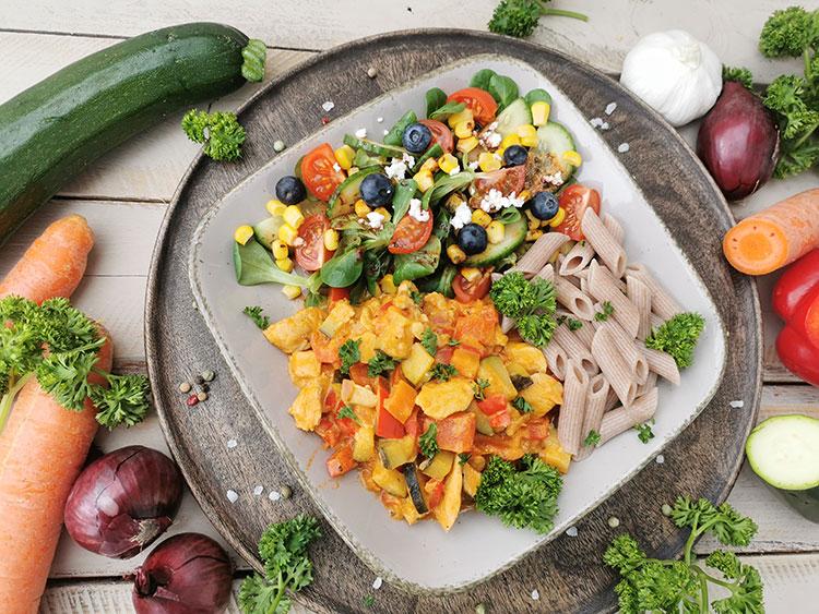 Putengeschnetzeltes mit allerlei Gemüse und Feta