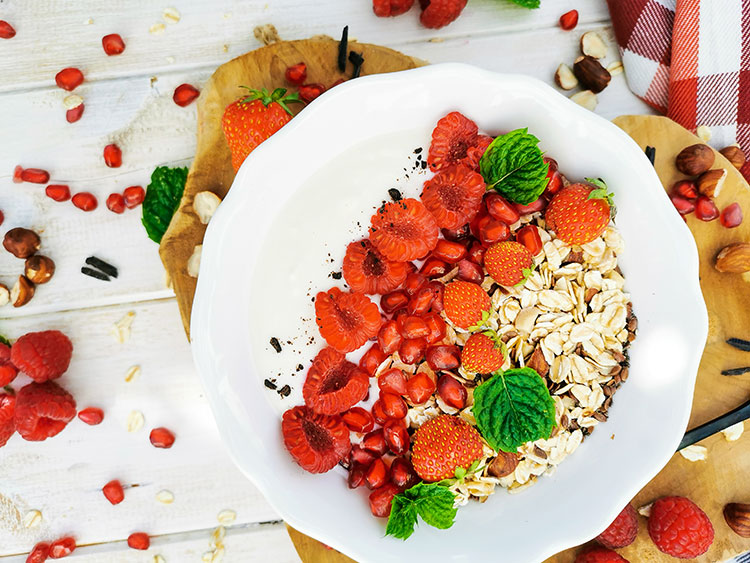 Nuss-Oatmüsli rote Früchte Power