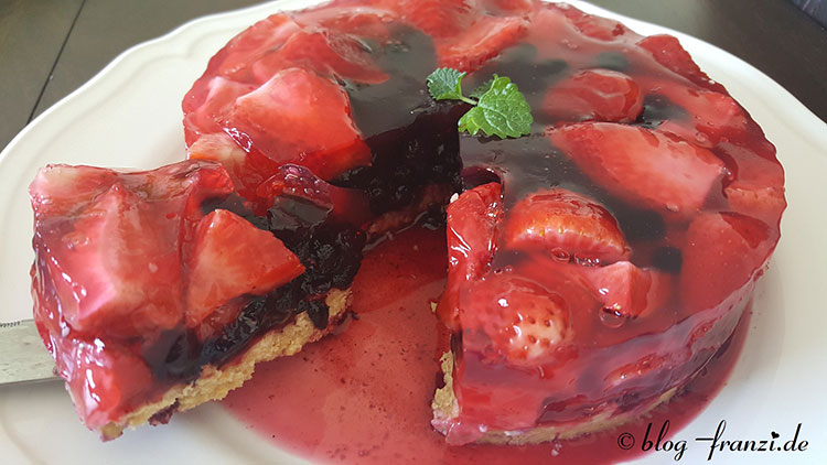 Erdbeer-Blaubeerkuchen ohne backen