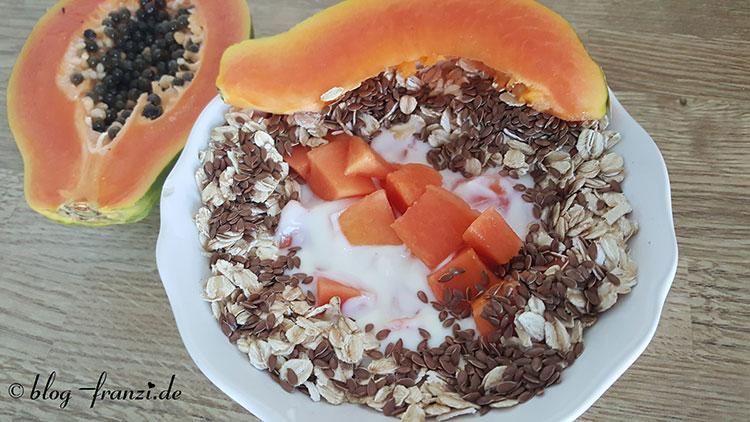 Schnelles Papayafrühstück