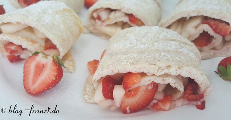 Protein-Biskuitrolle mit Erdbeer-Birnenfüllung