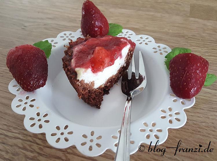 Erdbeerkäsemuffins mit Haferflockenboden