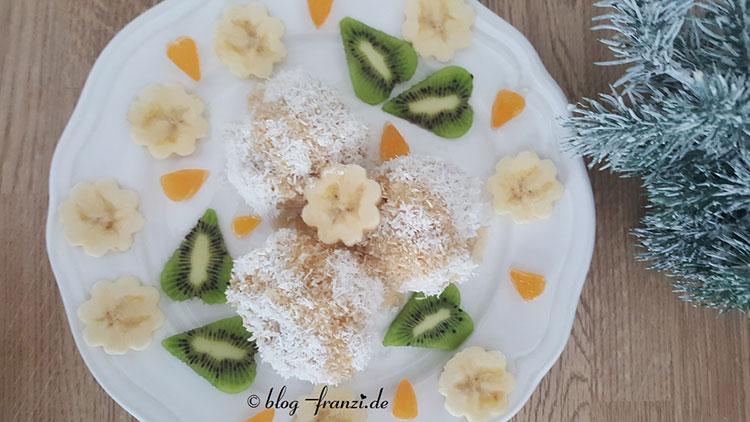 Schnelle Quarkknödel mit allerlei Obst