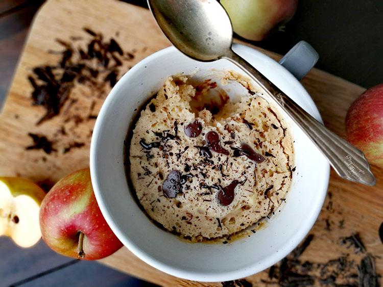 Apfel-Schoko Mugcake – Tassenkuchen in 3 Minuten