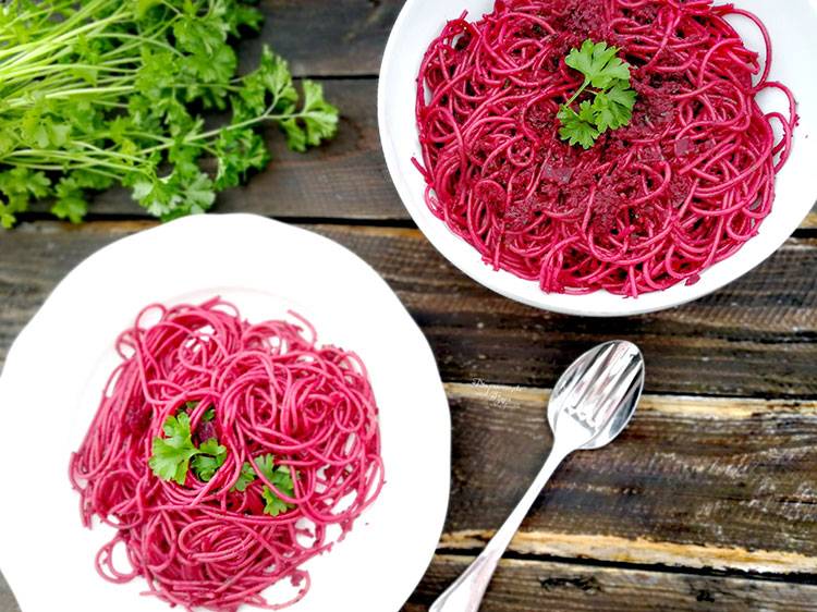 Pinke Pasta – Nudeln mit Rote Bete Pesto