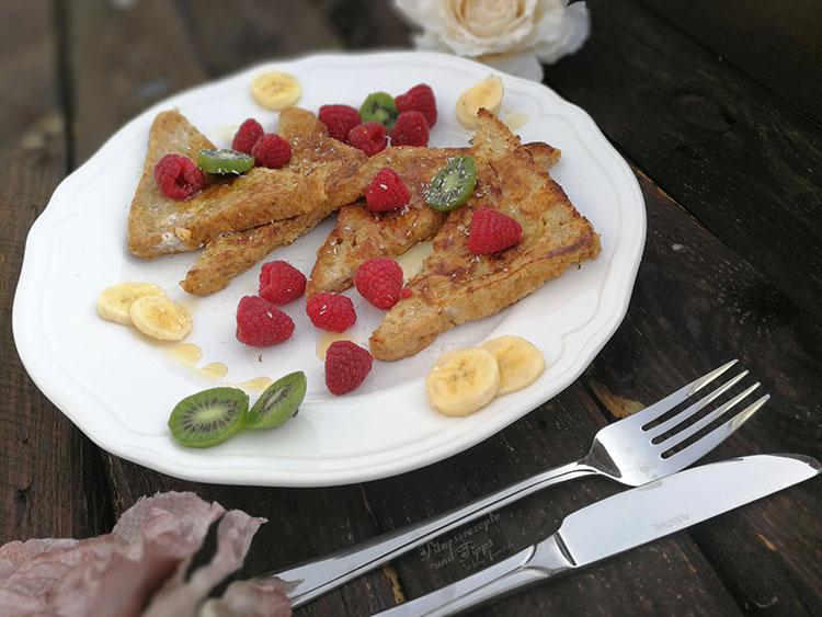 Gesunder French Toast mit Ahornsirup