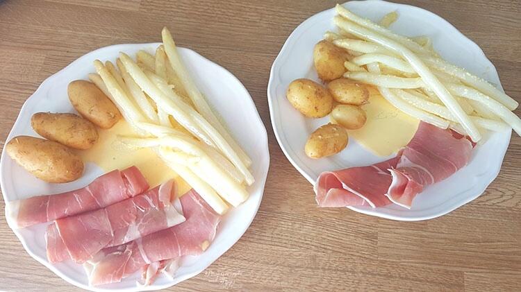 Spargel mit frischen Kartoffeln und Schinken